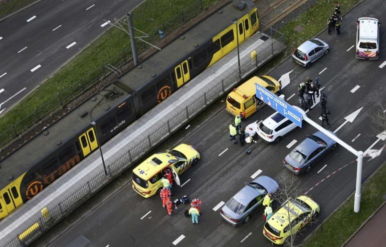 Стрелба в Холандия взе жертви, разследват тероризъм